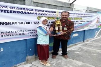 SD IT Ukhuwah Islamiyah Meraih Medali Emas Cabang Renang KOSN Sleman 2020